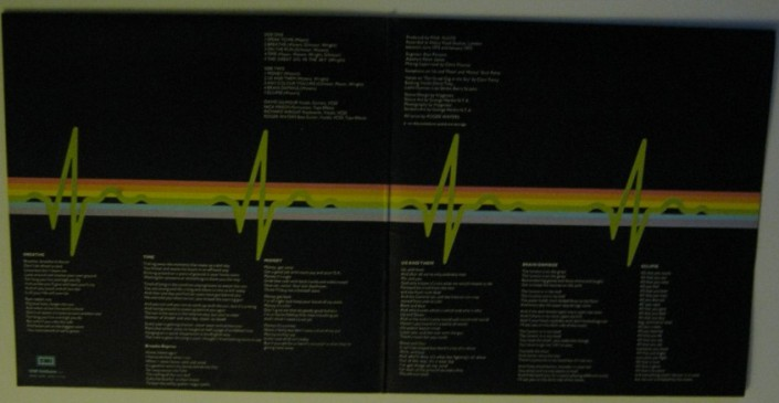 "Pink Floyd: ""The Dark Side of the Moon"" copertina interno"