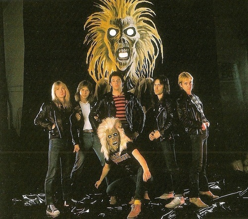 Dave Murray, Clive Burr, Paul Di' Anno, Steve Harris, Adrian Smith e Eddie