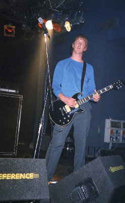 Josh Homme durante il primo tour dei Queens Of The Stone Age. (Credit to me)